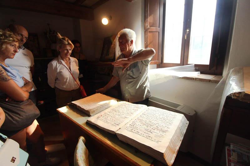 chiesa di san pietro apostolo carta di fabriano