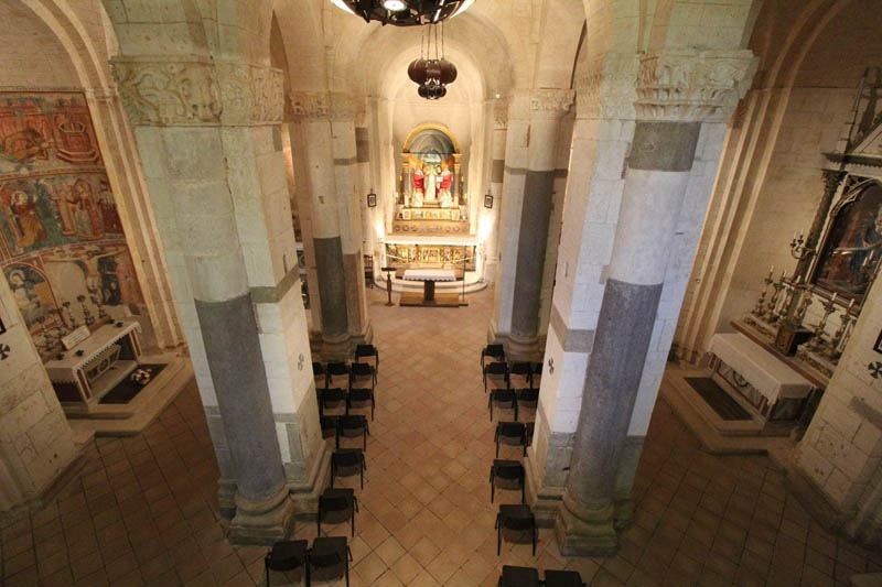interno abbazia di santa croce