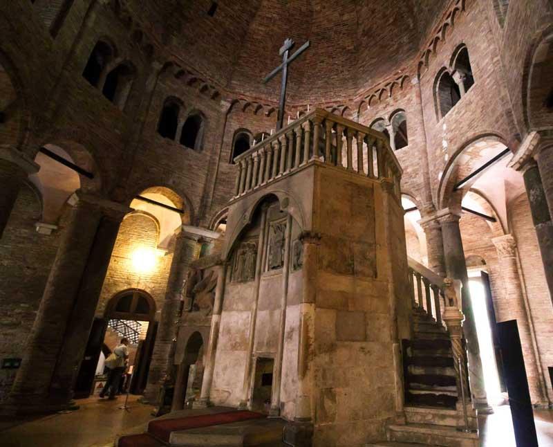 interno delle sette chiese bologna