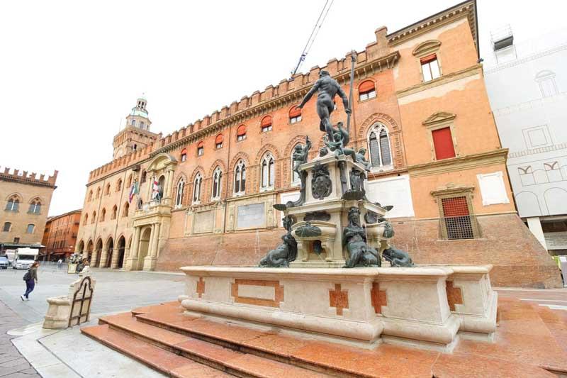 fontana del nettuno bologna