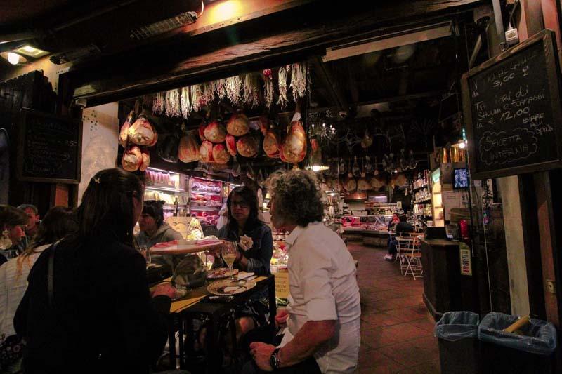 aperitivo mercato antico bologna