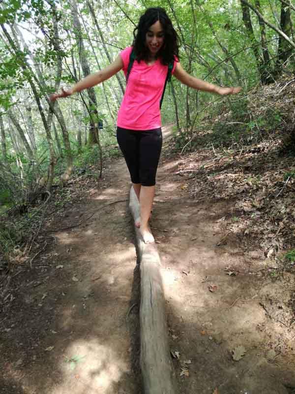 camminare sul tronco parco dei 5 sensi