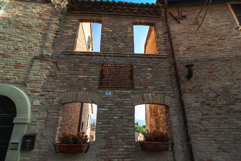 casa di scuretto corinaldo