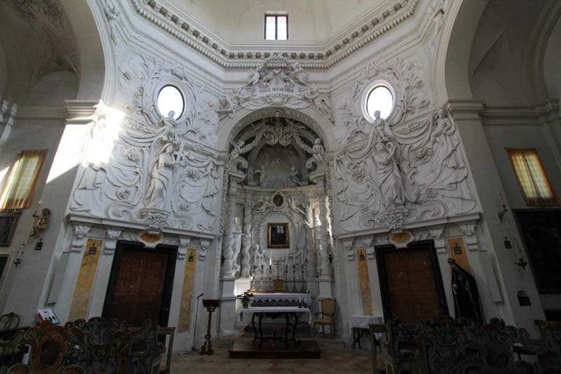interno chiesa di santa maria delle tinte pergola