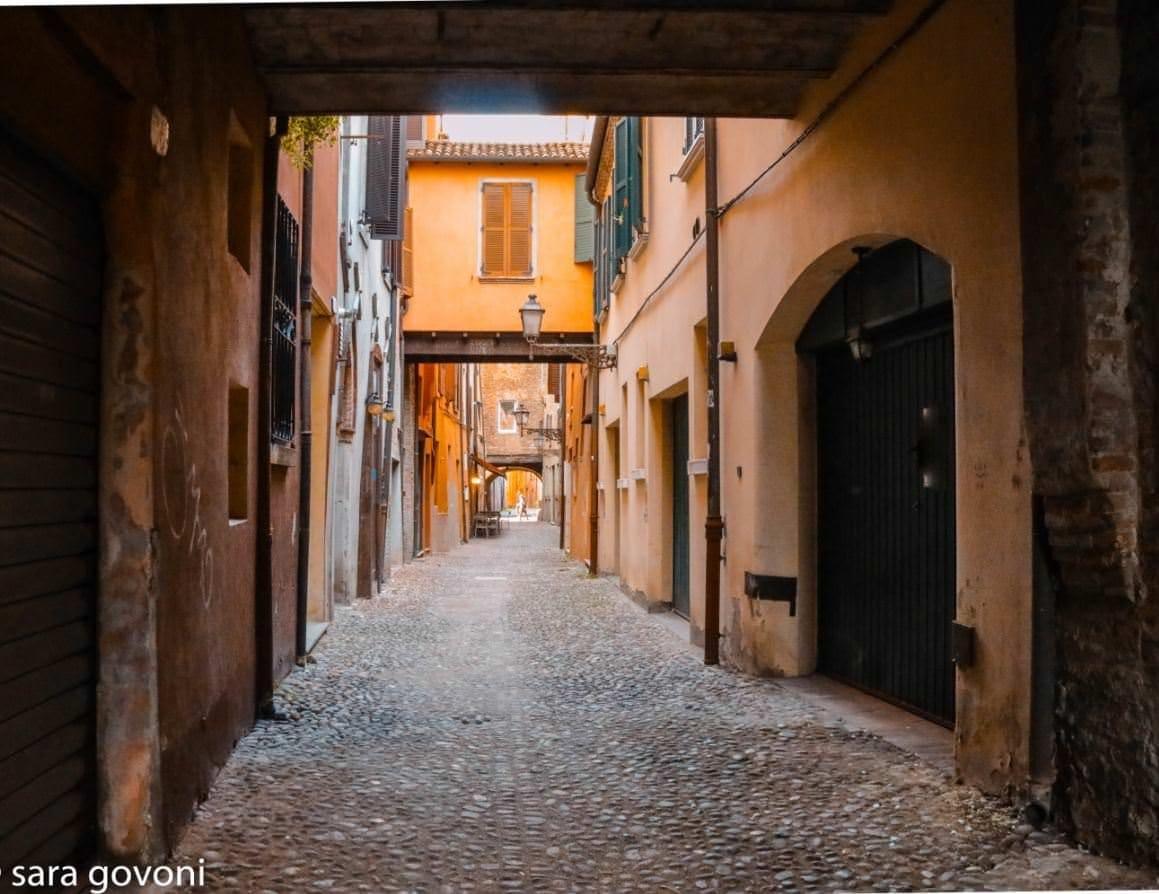 Ferrara: la città a misura d'uomo da visitare come un local 2