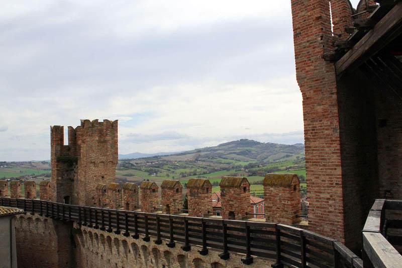camminamenti mura gradara
