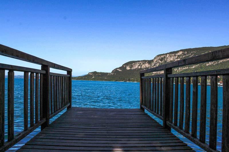 borgo di garda vista lago