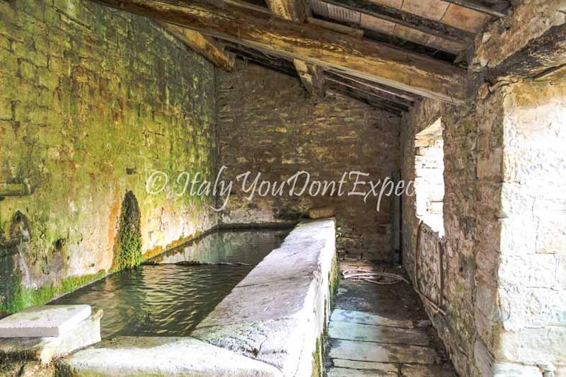 antico lavatoio portico e san benedetto