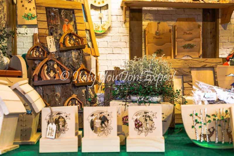 decorazioni in legno mercatini di natale trento