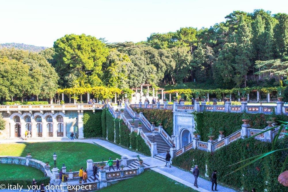 cosa vedere a Trieste in un giorno castello miramare giardini scale
