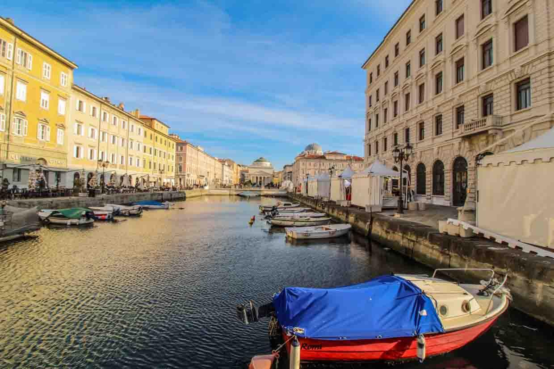 vacanze italia 2020 trieste canal grande