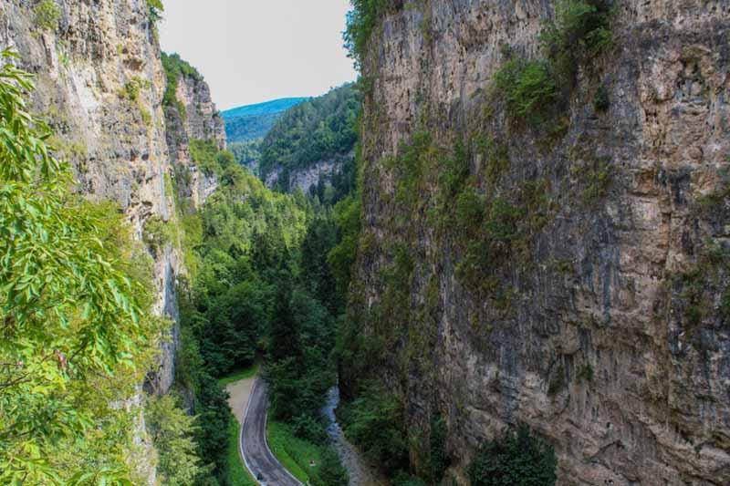 Il sentiero nella roccia per San Romedio