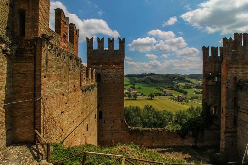 la rocca viscontea del borgo di castell arquato