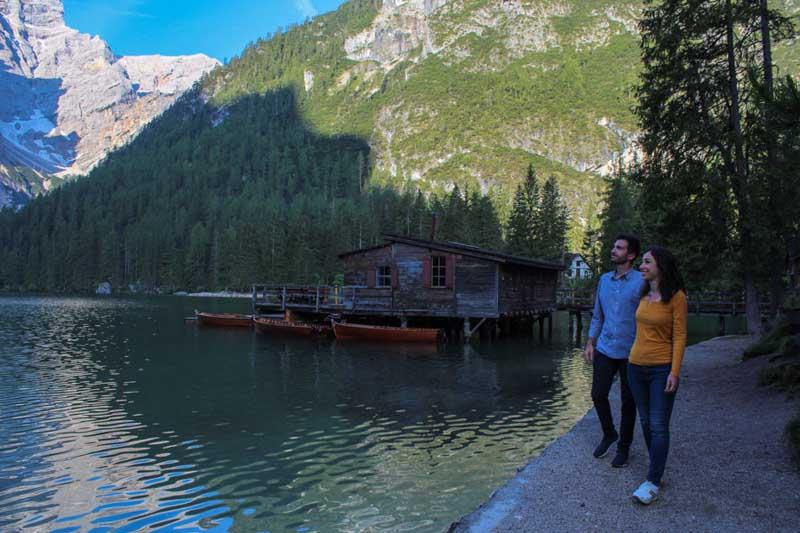 lago di braies in estate
