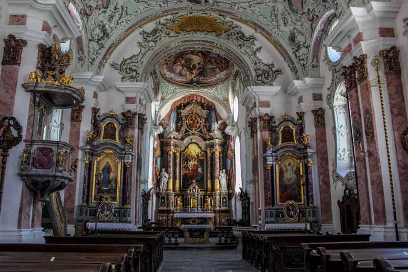 interno chiesa san michele arcangelo san candido