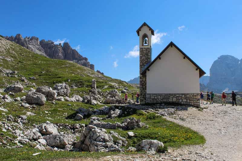 chiesa degli alpini tre cime di lavaredo