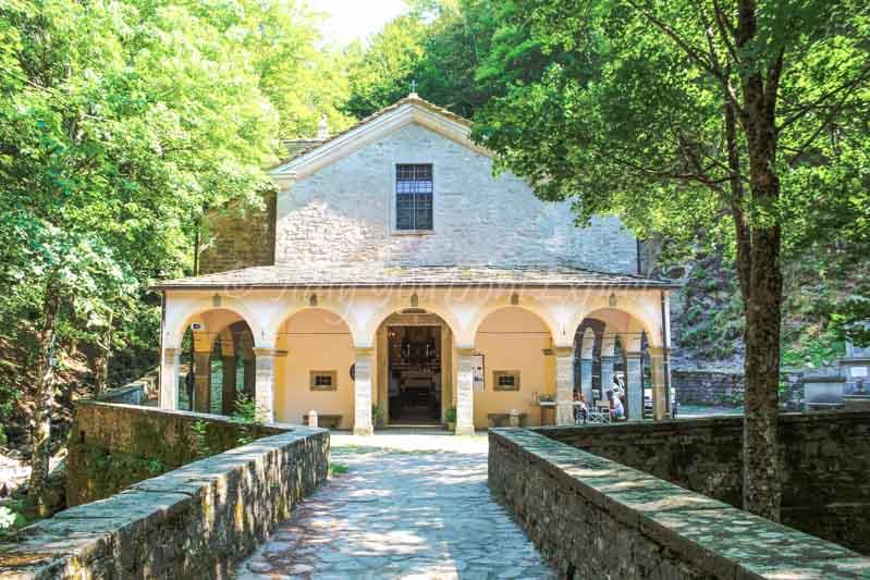 santuario madonna del faggio vicino bologna