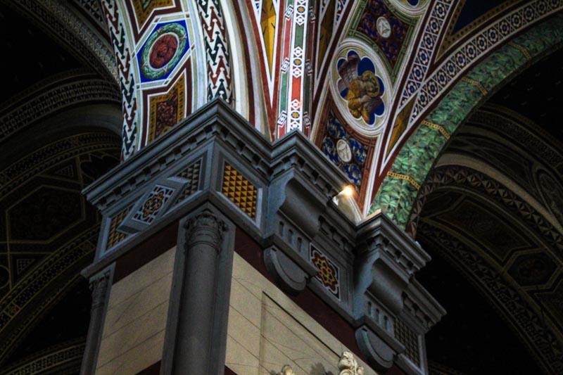 dettagli colonne basilica santa margherita cortona