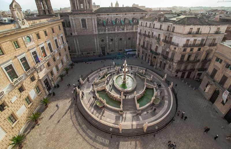 fontana pretoria dall alto palermo