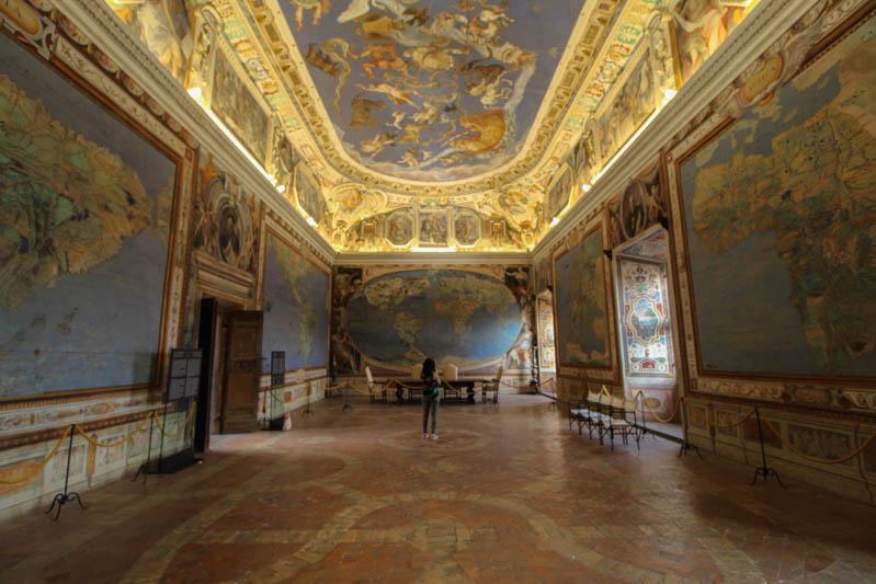 sala del mappamondo palazzo farnese