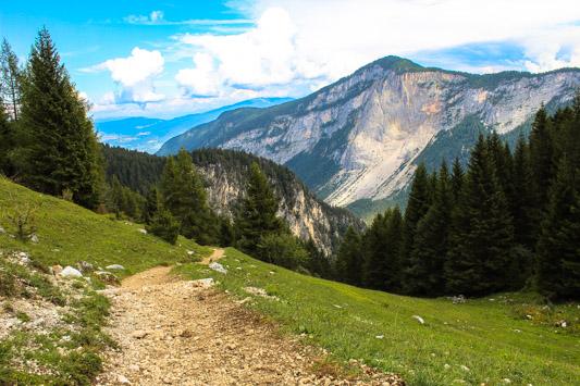 trekking per Malga Tuena