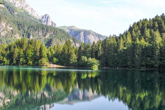 lago di tovel vista sul lago