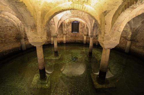 cripta basilica di san francesco