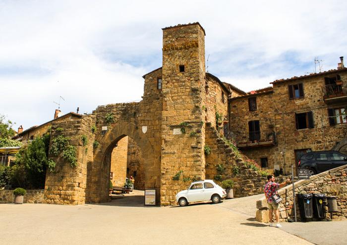 borgo di Monticchiello