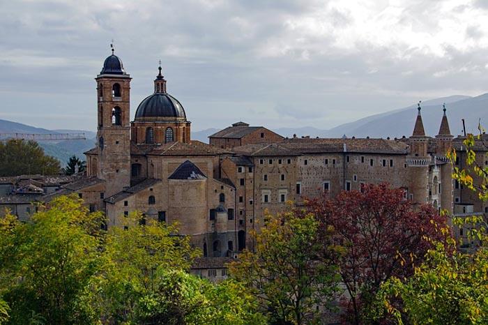 vista del Centro storico di Urbino