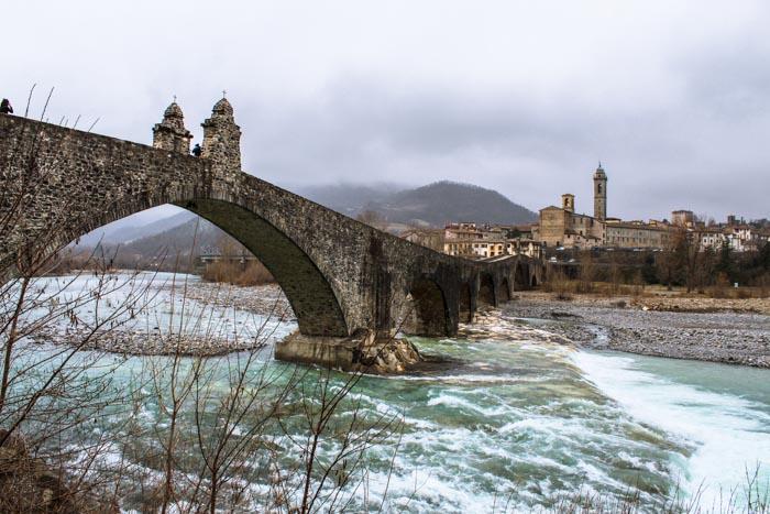 Bobbio ponte gobbo borgo medievale