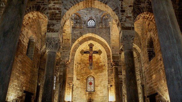 interno della chiesa di san cataldo palermo
