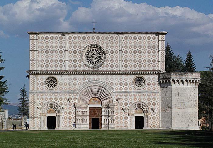 basilica di Collemaggio abruzzo