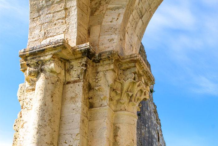 capitelli abbazia di san bruzio