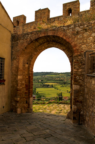 Porta San Martino magliano in toscana