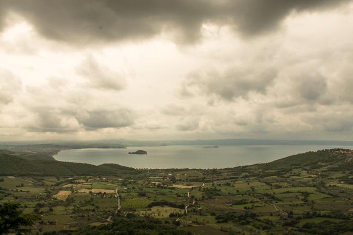panorama da Montefiascone del lago di bolsena