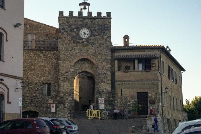 ingresso del borgo di allerona