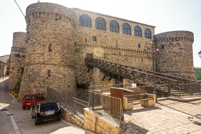 castello angioino civitacampomarano