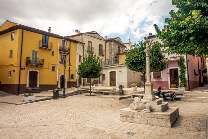 piazza principale a frosolone
