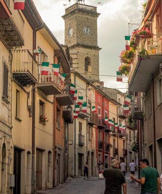 via principale del borgo di carpinone