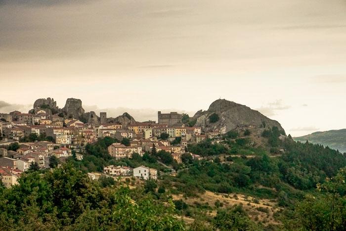 panorama del borgo si pietrabbondante