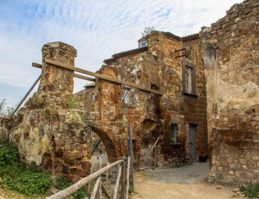 rovine del borgo fantasma di Celleno