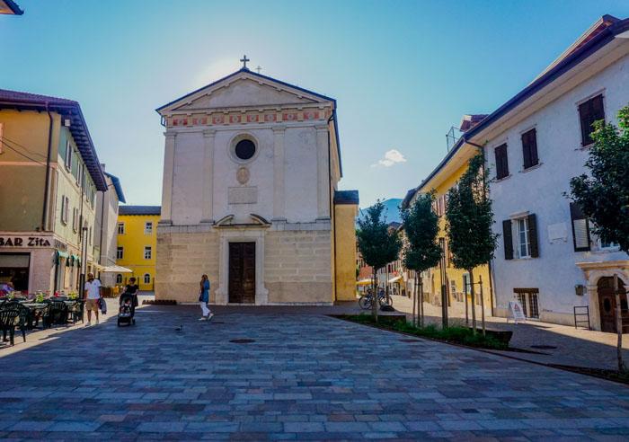 facciata della chiesa di sant'anna a borgo valsugana