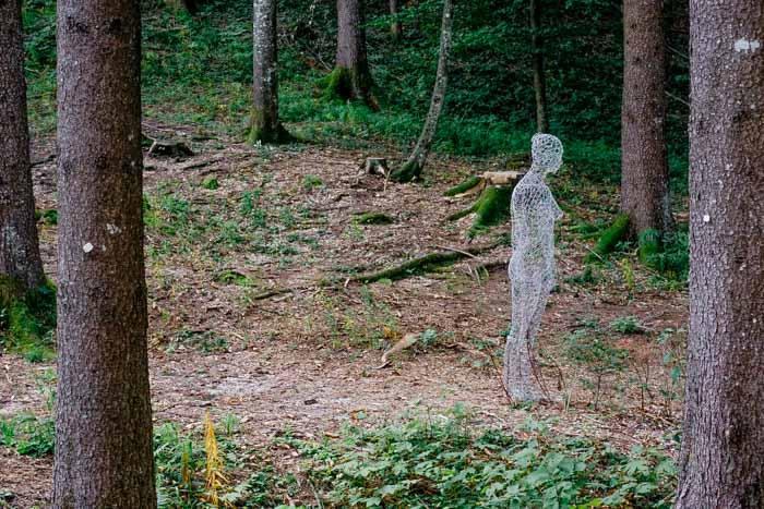 opera donna invisibile ad arte sella
