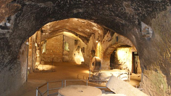 orvieto sotterranea vista della caverna